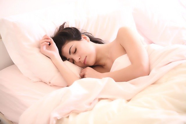लवकर झोप येण्यासाठी घरगुती आणि आयुर्वेदिक उपाय | zop yenyasathi upay marathi