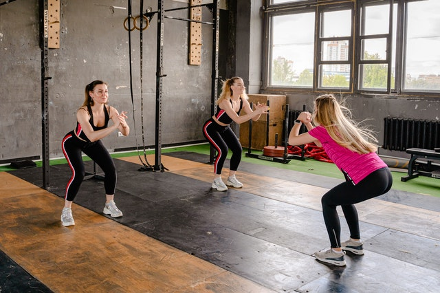 पोटाची चरबी आणि वजन कमी करण्यासाठी कशा प्रकारचे व्यायाम करावेत