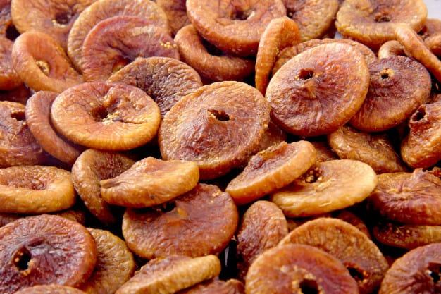 सुके अंजीर खाण्याचे फायदे व अंजीर कसे खावे | dry fig fruit benefits in marathi