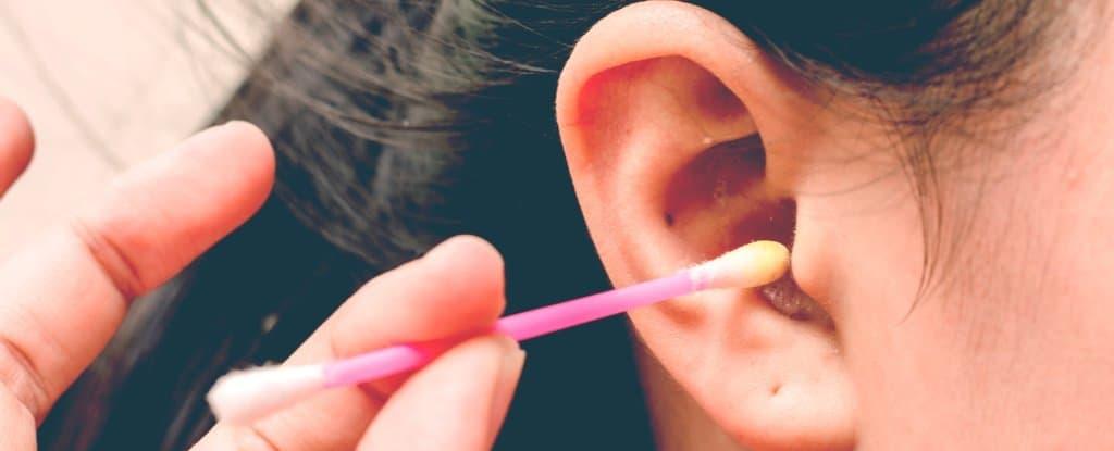 कानातील मळ काढण्यासाठी उपाय | how to remove ear wax and clean ears in marathi