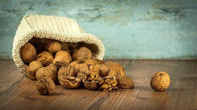 walnut benefits in marathi